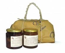 Pacco regalo con mostarda di macedonia e mostarda di mele e viadanese di pere.